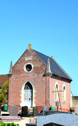 Chapelle du cimetière de Pont-Noyelles