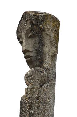 Sculpté directement dans le béton avant son durcissement (voir N° 68 du Cercle Blanchard)