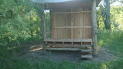 construction d'un abri en bord du Loir