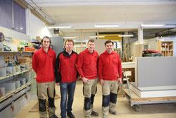 Firmenchef Hanspeter Lindner (2.v.l) mit ein paar seiner Mitarbeiter