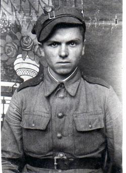Stanisław Mularczyk( mój stryj), zdjęcie wykonane w Bydgoszczy luty-marzec 1945r.