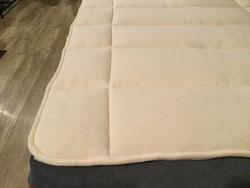 ビラベック羊毛100%のベッドパッド「ボゥルフ」