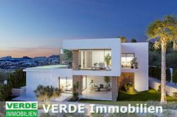 Villa mit Gästehäuser und Pool, großer Parkanlage in Calpe, präsentiert von VERDE Immobilien