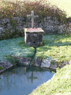 Le Lavoir de La Souteyrie, à Collonges-la-Rouge en Vallée de la Dordogne, est sur le sentier des lavoirs à 1,5 km de La Mérelle