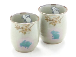 Kutani Hyakkaen Kutani ware pair teacups rabbit & cherry blossom ShidareSakura feat.decorated base