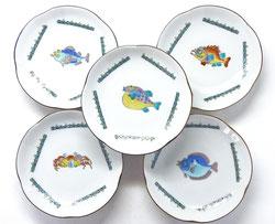 九谷焼 4寸 梅型 皿揃え 魚紋絵変り 裏絵