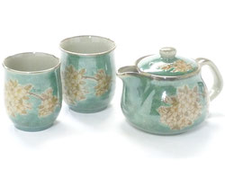 Kutaniyaki Hyakkaen kyusu Teapot large&2tea cup set 350ml cherry blossoms shidare zakura green
