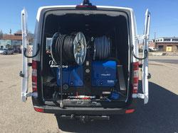 Hochdruckspülaggregat im Gepäck mit         160 Bar bei 85 l/min