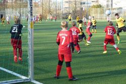 TuS E2-Jugend im Spiel gegen TuSEM E4.