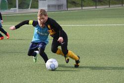 TuS E2-Jugend im Spiel gegen SG Schönebeck E2.
