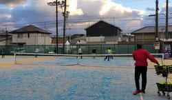 ジュニア練習用のテニスコート