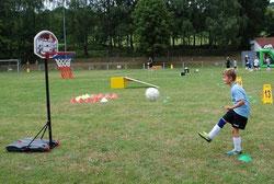 Kinderanimation Frankfurt Kinderunterhaltung Eventmodule mieten Fussball Golf Verleih