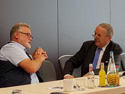 Angeregte Diskussion mit Prof Alt während des Vortrags