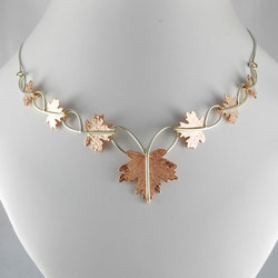 Maple Leaves Linking Necklace in Gold
