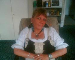 Mona aus Augsburg