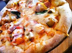 ヒュッテミックスピザ