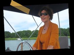 Foto von Elke M. Knorr, Ihrer Ansprechpartnerin rund um alle Belange zum Chartern der Motoryacht.