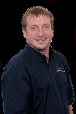 Zahnarzt Dr. Tom Sauermann M.A. - Reutlingen: Implantate und Zahnersatz