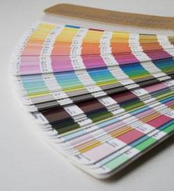 Gestaltung und Druck     Wir bedrucken alle Artikel individuell für Sie mit Text und Fotos, auch Ihre eigenen Entwürfe. Oder wir gestalten neu nach Ihren Wünschen.
