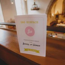 In der Kirche   Kirchenhefte, Freudentränen-Taschentücher und Banderolen, Umschläge und Einlegeblätter, Bänder und Kordeln, Druck-Service