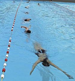 Schwimmtraining im Freibad Foto: SSG Weil