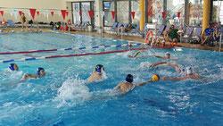 Das Mini-Wasserball-Turnier geht in die vierte Runde. (Foto: Brodda)