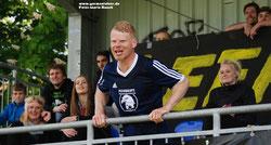 Ralf Voorwold feierte zum Abschied nochmal gemeinsam mit Fans und Mannschaft