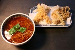 天かけ蕎麦 十割そば 手打ちそば 温かいそば かけそば 天ぷら マイタケ