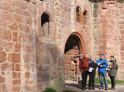 An der zweitgrößten Burgruine der Pfalz