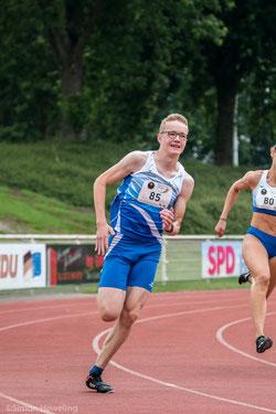 Niklas Venhues war eine Klasse für sich in den Sprintdisziplinen der U18.
