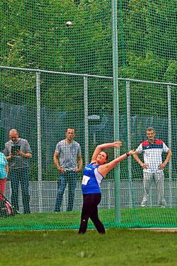 LAZ-Athletin Maximiliane Langguth schleuderte den Hammer auf 53,28 m. (Foto: Bernfried Knipping)