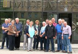 Exkursionsteilnehmer vor dem Reiss-Museum in Mannheim