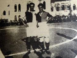 1923: Slavia spielt bei Galatasaray in traditionell rot-weißen Trikots mit rotem Stern auf linker Brust.