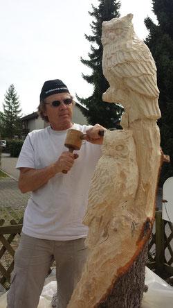 Uhu Eule Skulptur Eulenskulptur Kettensägekunst Paul Widmer
