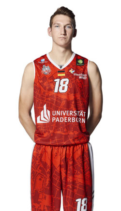 Christopher Kleinkes im Dress der Uni Baskets Paderborn. (Foto: Uni Baskets Paderborn)