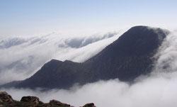 La espesa niebla cubre el monte Boutmezguida, al suroeste de Marruecos. / María Victoria Marzol