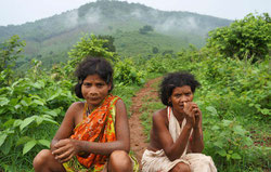 Los dongrias han vivido en Niyamgiri durante generaciones. Dependen de su entorno natural para alimentarse y mantienen una profunda conexión con él. © Survival