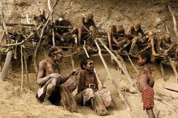 Los vivos y los muertos conviven en la aldea de Koke. / FOTO: Xakata Ciencia
