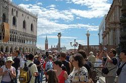Venecia, a menudo anegada por las aguas y siempre invadida por el turismo. (CC) Por Olatz eta Leire