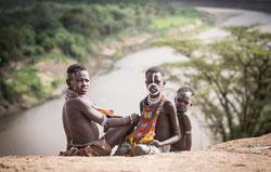El lago Turkana y el río Omo, vitales para muchos pueblos indígenas, están secándose debido a una megapresa ©Foto: Nicola Bailey/ Survival