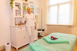 Die Gesundheitspraxis-Vital, Engelburg, St. Gallen, Rosy Wurmbrand freut sich, Sie mit entspannenden Massagen und wirksamen Therapien zu verwöhnen