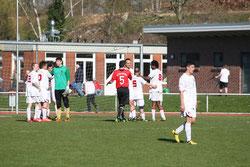 Abpfiff in Oldeloe - aufgrund der Verletzungssorgen ist das Remis ein gefühlter Sieg des SVTB. Foto: H. Hagelmann.