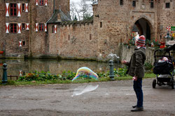 21 Mädchen mit Seifenblasen/Girl with soap bubbles