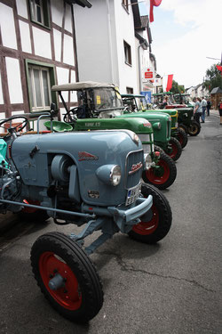 61 Trecker/Tractors