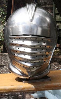 37 Rüstungshelm/Rig helmet