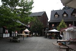 5 Marktplatz/Marketplace