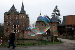 27 Seifenblasen/Soap bubbles