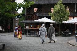 6 Marktplatz+Leute/Marketplace+People