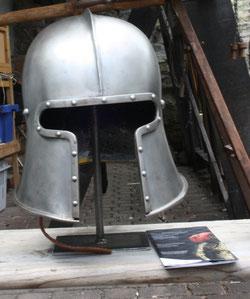 44 Rüstungshelm/Rig helmet