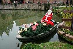 8 Weihnachtsmann/Santa
